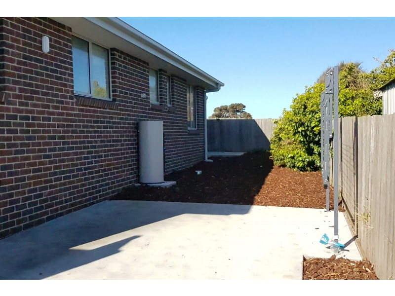 2/8 Tandara Place, East Devonport TAS 7310