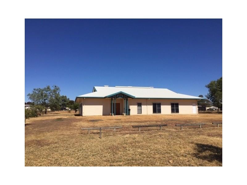 33 Acacia St, Blackwater QLD 4717