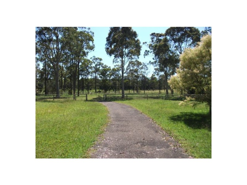 4 Kiera Lane, Alison NSW 2259