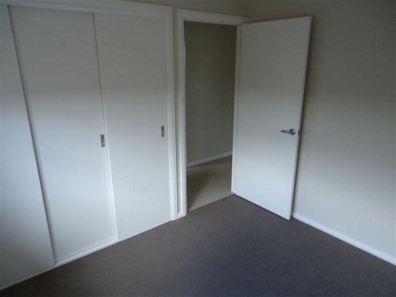 2/80 Messenger Avenue, Boorooma NSW 2650