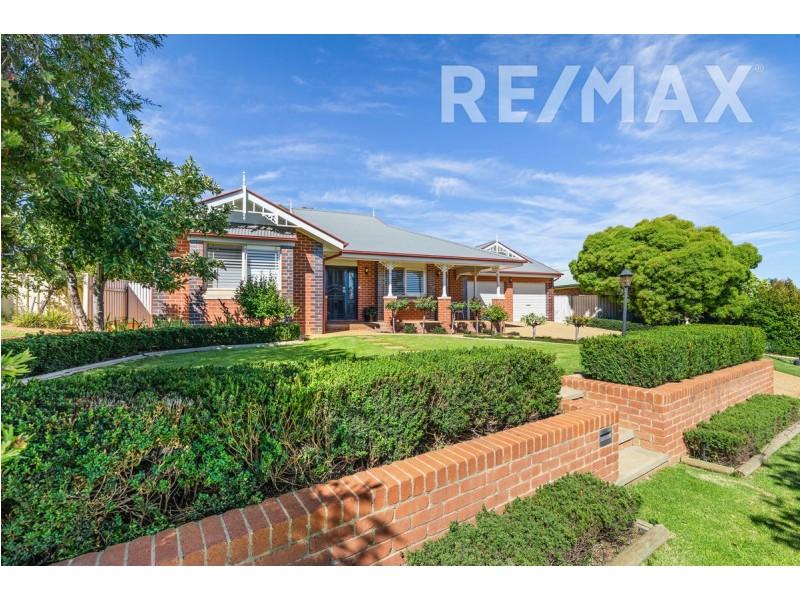 11 Kimba Drive, Glenfield Park NSW 2650