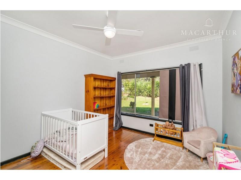 25 Leavenworth Drive, Mount Austin NSW 2650
