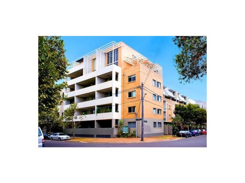 59/4 Gillespie Avenue, enter via cnr Ralph & Gillepspie, Alexandria NSW 2015