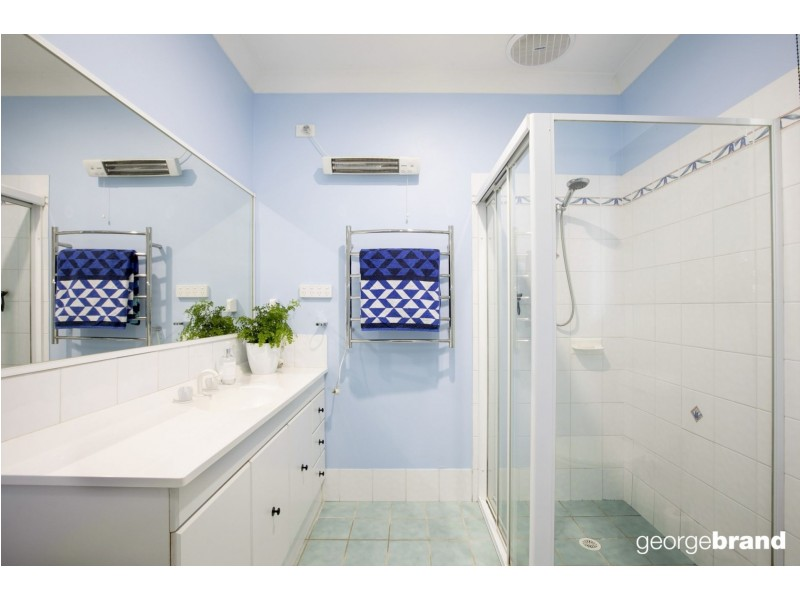 5 Irwin Place, Green Point NSW 2251