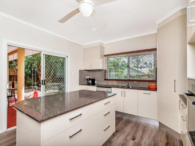 80 Callum Street, Mooroobool QLD 4870