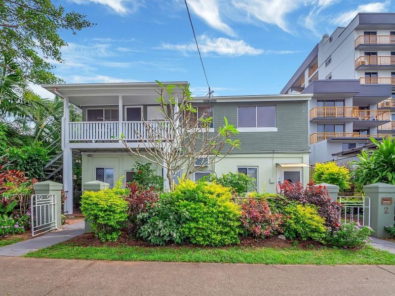 4/2 McKenzie Street, Cairns North QLD 4870