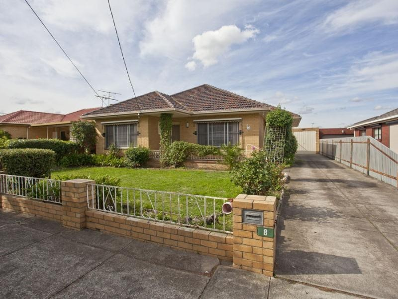 8 James Street, Fawkner VIC 3060