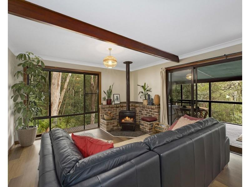 21 Derwyn Close, North Gosford NSW 2250