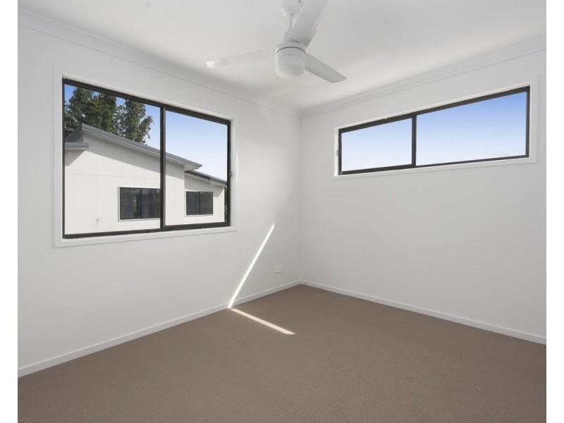 11 Green Street, Booval QLD 4304