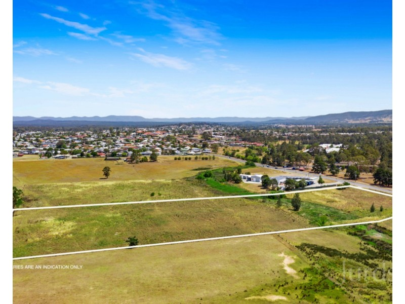 42 Wine Country Drive, Nulkaba NSW 2325