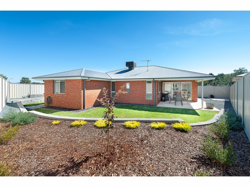 61 Woolshed Drive, Thurgoona NSW 2640