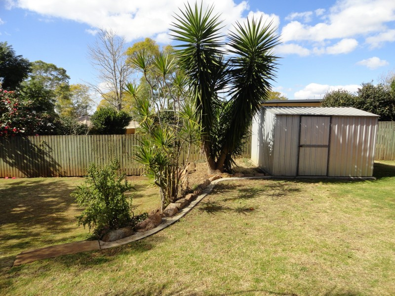 1 Garvey Street, Mount Lofty QLD 4350