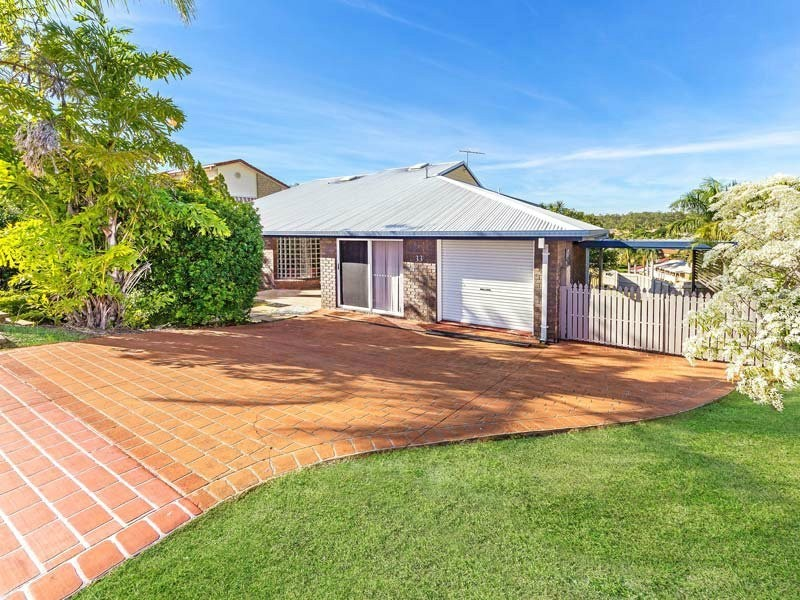 33 Daniel Drive, Albany Creek QLD 4035