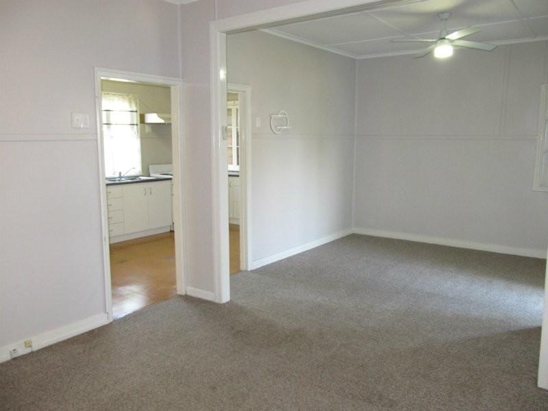 10 Joyce Street, East Ipswich QLD 4305