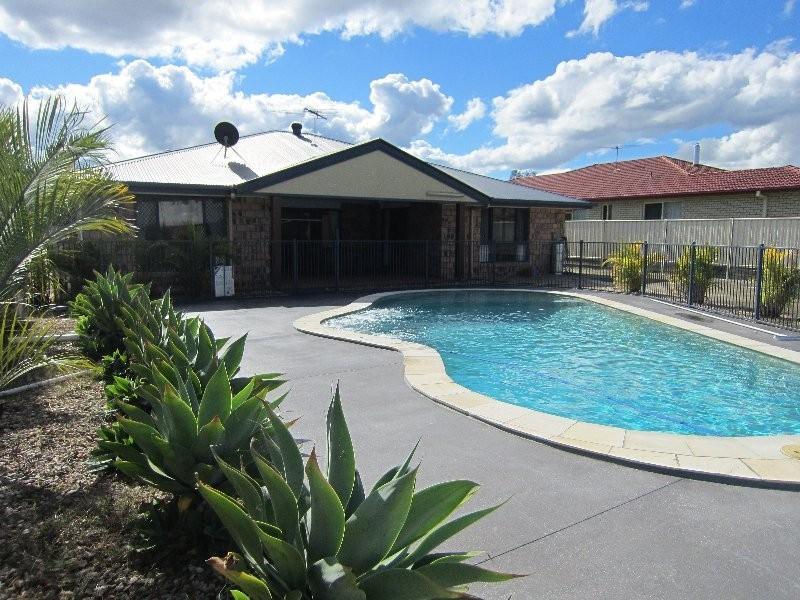 70 Kensington Drive, Flinders View QLD 4305