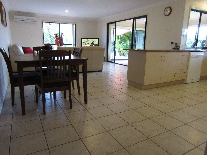 10 Chesterfield Place, Flinders View QLD 4305