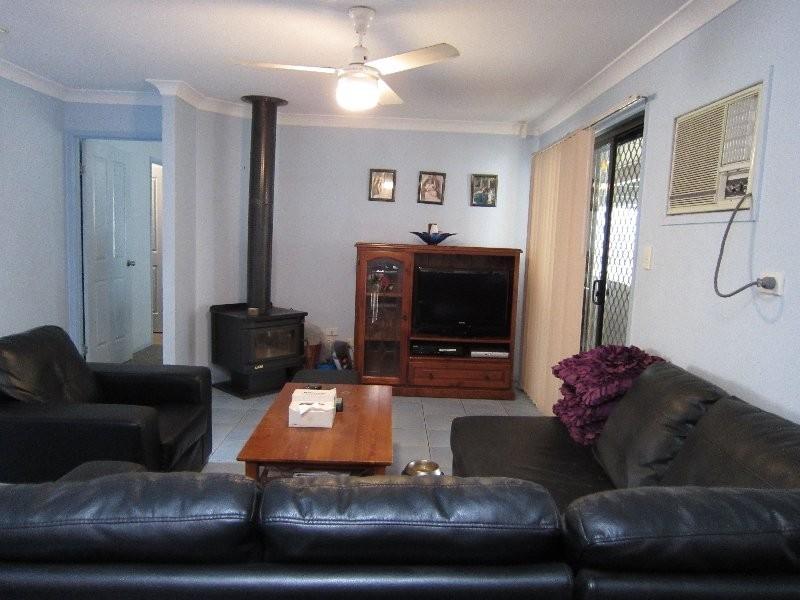 6 Pepperina Street, Flinders View QLD 4305