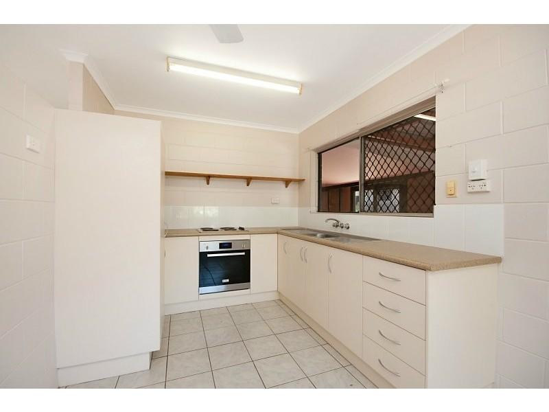37 Hayward Street, Mooroobool QLD 4870