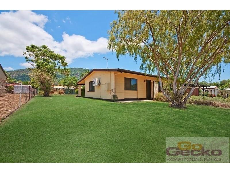 12 Lobelia Court, Mooroobool QLD 4870