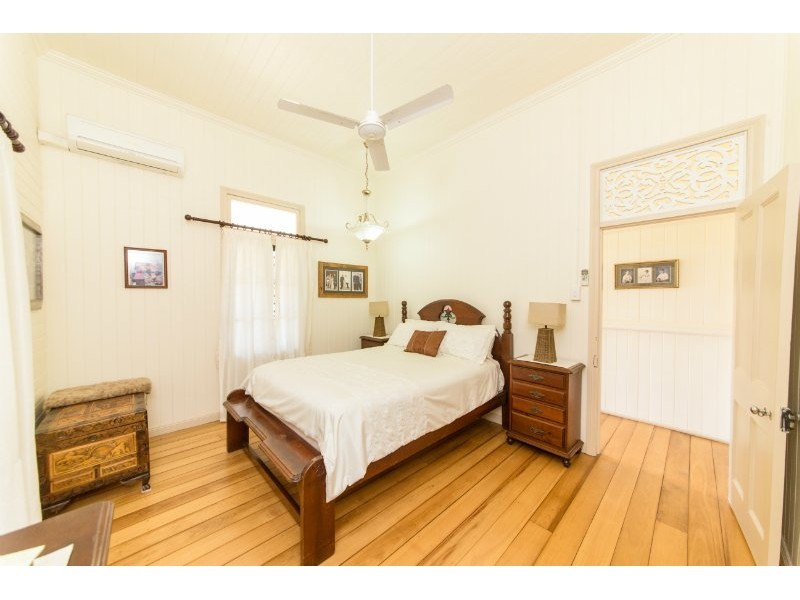57 Spencer St, The Range QLD 4700