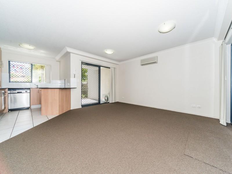 3/46-48 Lenneberg Street, Southport QLD 4215
