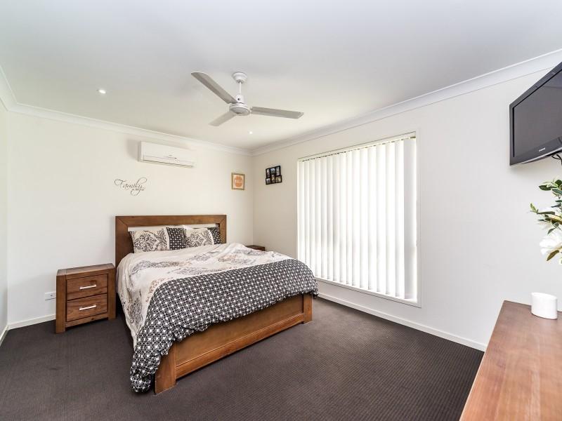 20 Azure Way, Coomera QLD 4209