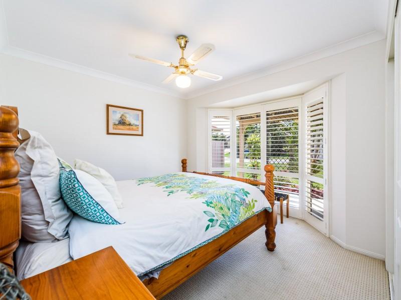 5 Corringle Close, Helensvale QLD 4212