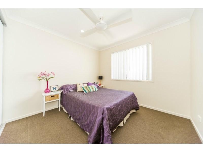 2/12 Jones Street, Coomera QLD 4209