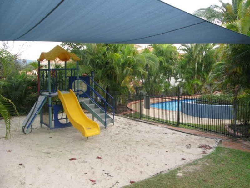19/24 Amsonia Court, Arundel QLD 4214