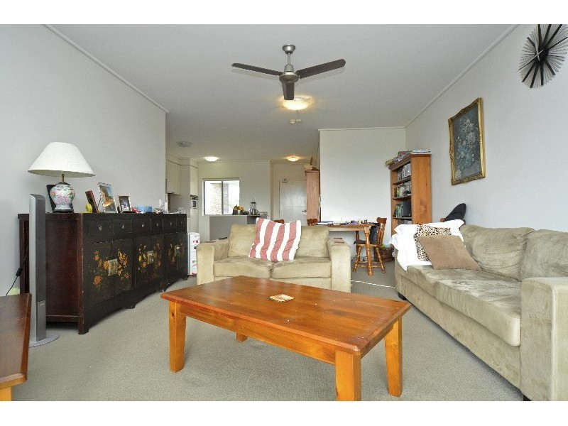 133/64-66 Sickle Avenue, Hope Island QLD 4212