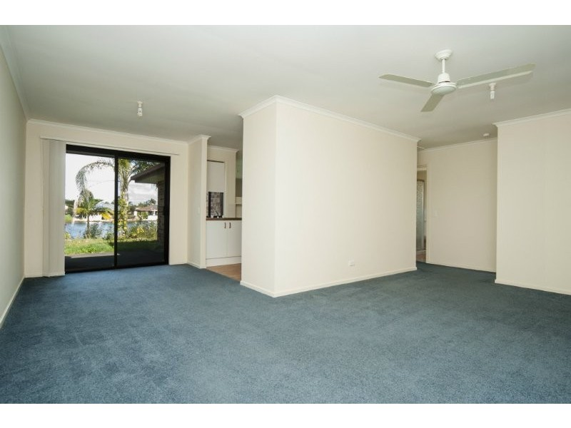 1/8 Possum Court, Coombabah QLD 4216
