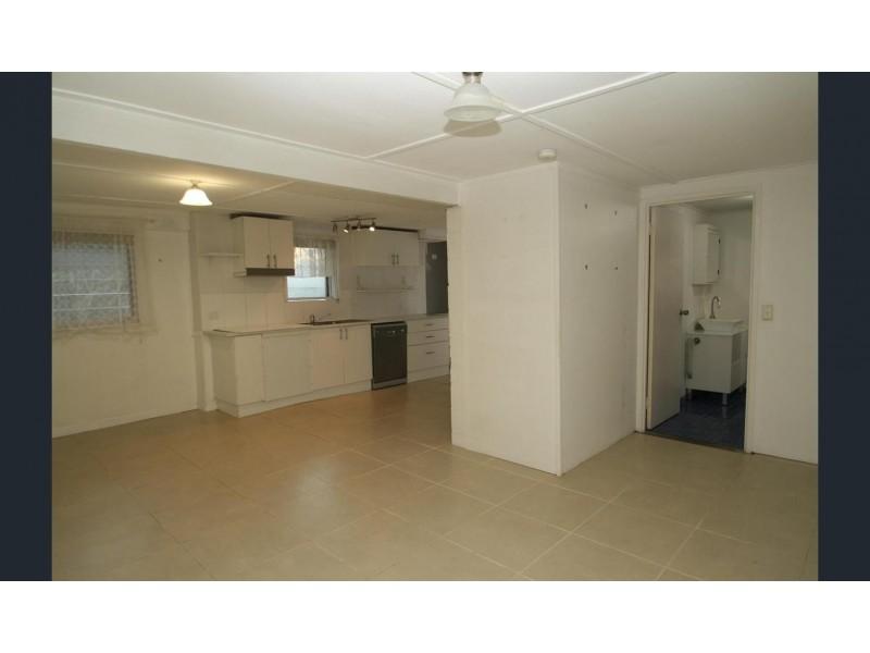 288 Bayview Street, Hollywell QLD 4216