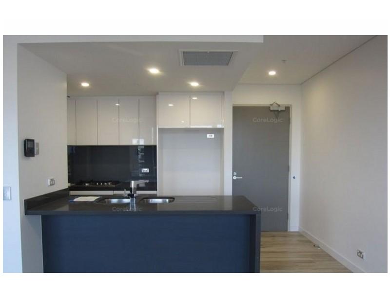 901/2 Como Crescent, Southport QLD 4215