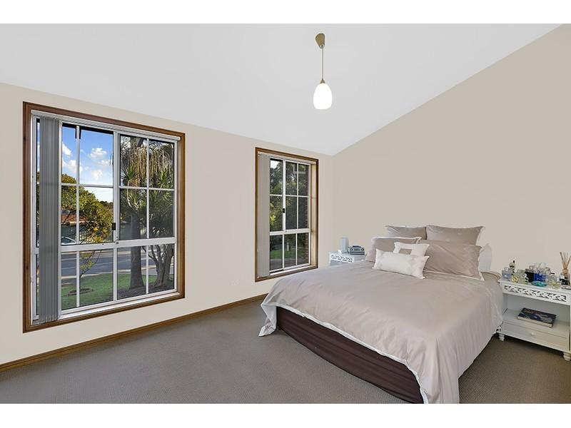 232 Cresthaven Avenue, Bateau Bay NSW 2261
