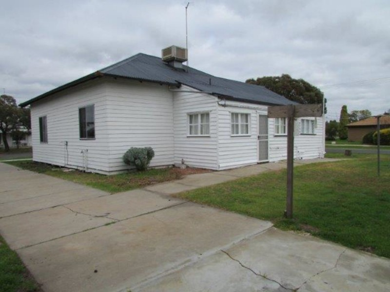 8 O'Brien Street, Warracknabeal VIC 3393