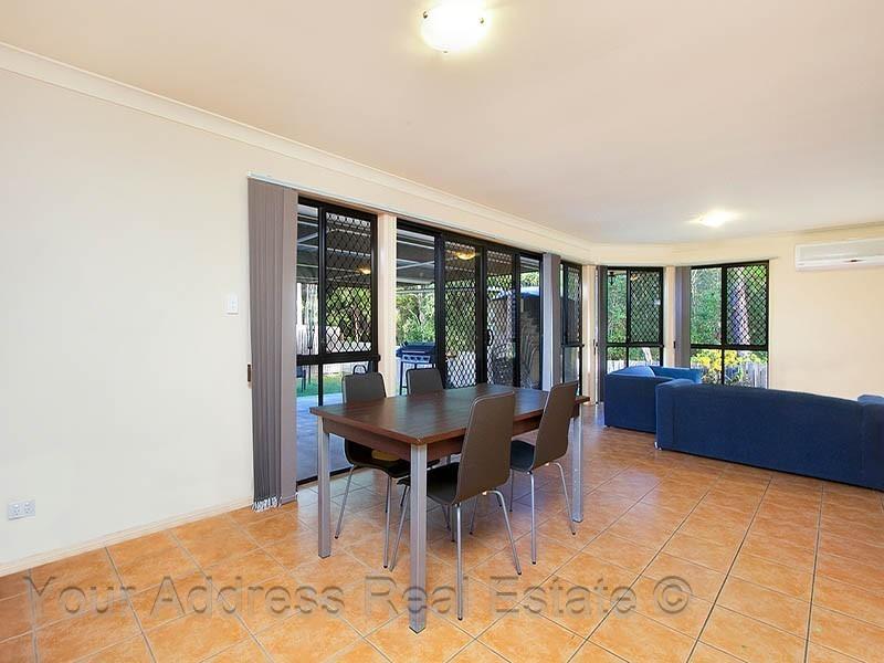 19 Conifer Street, Hillcrest QLD 4118