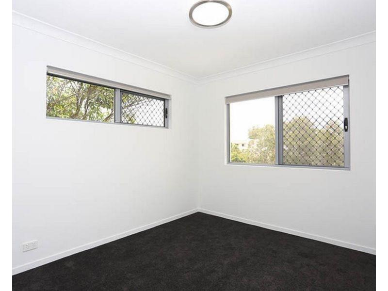 1/143 Cavendish Road, Coorparoo QLD 4151