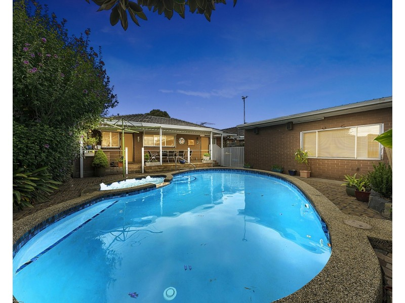 69 Mulhall Drive, St Albans VIC 3021