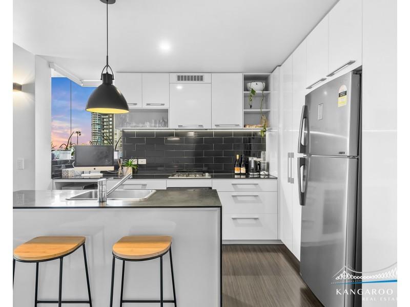 19 Anderson Street, Kangaroo Point QLD 4169