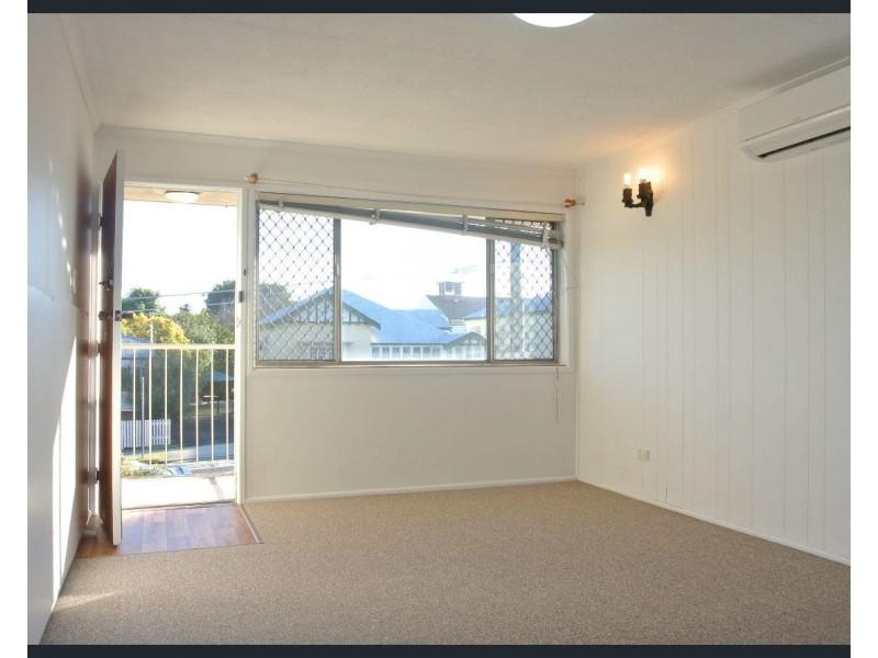 1/48 Dunellan Street, Greenslopes QLD 4120