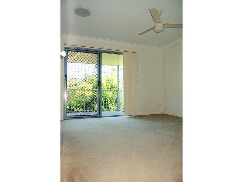 34-42 University Drive, Meadowbrook QLD 4131