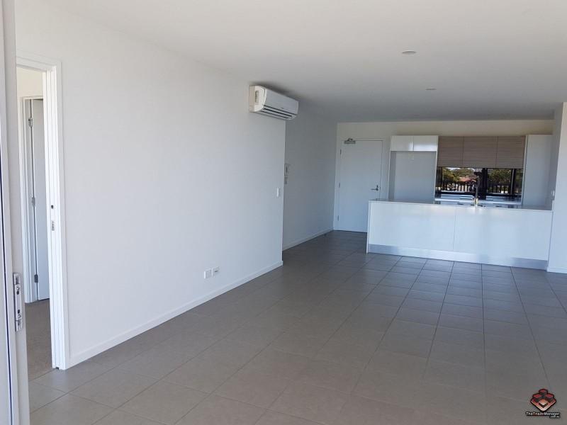 1 Waterford Court, Bundall QLD 4217