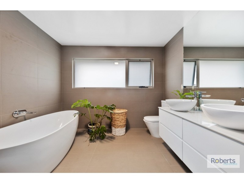 15 Moorings Drive, Squeaking Point TAS 7307