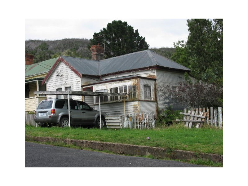 8 Crotty Street, Queenstown TAS 7467