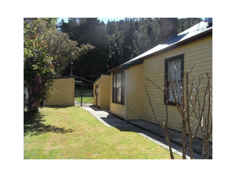 7  Preston Street, Queenstown TAS 7467