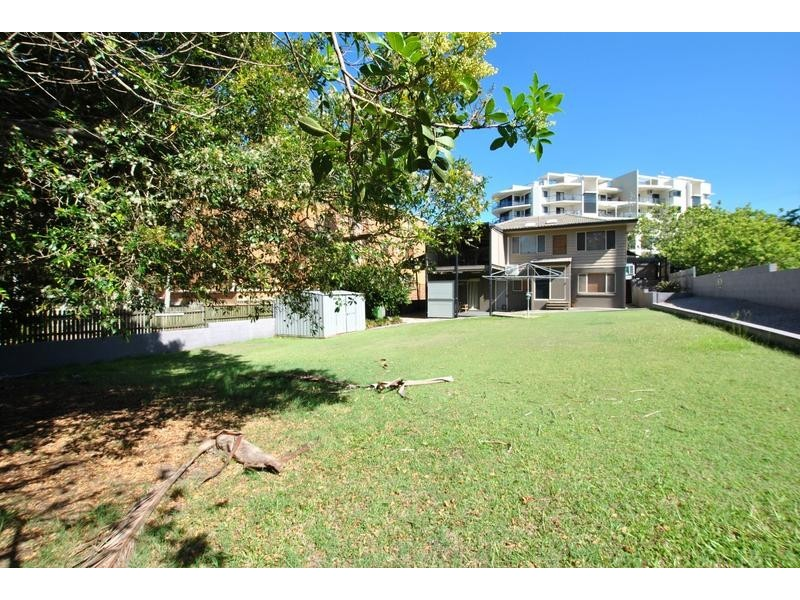 15 Saltair Street, Kings Beach QLD 4551