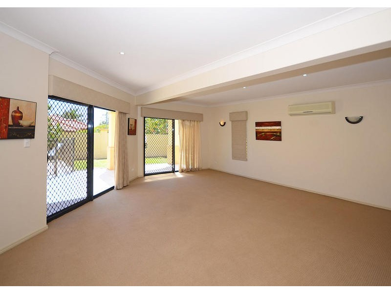 168B Long St, Point Vernon QLD 4655