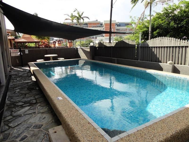 1/211 Lake Street, Cairns North QLD 4870