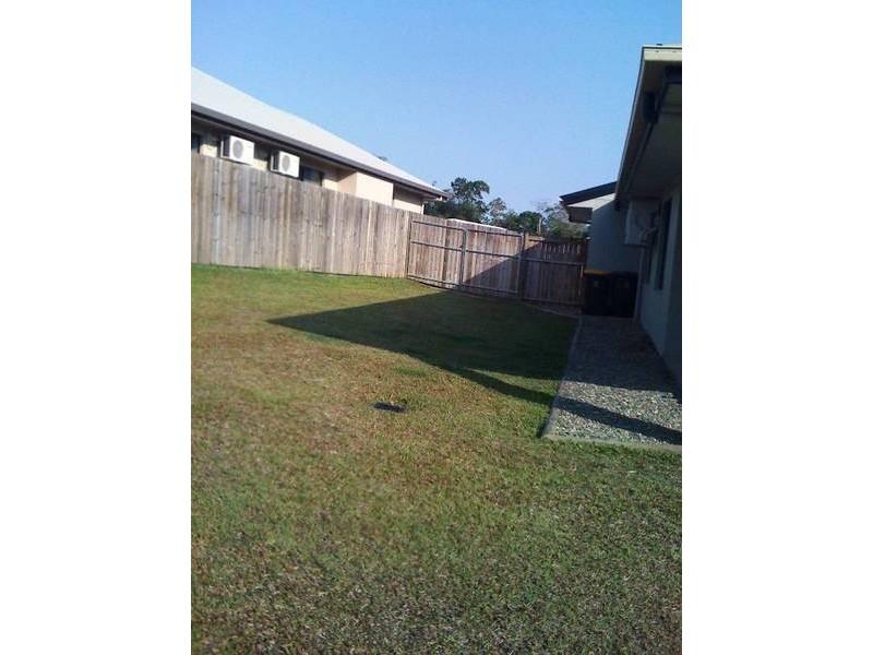 23 Roderick Street, Bentley Park QLD 4869