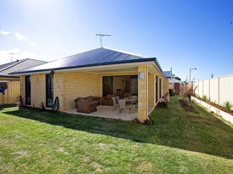 33 Normanby Bend, Success WA 6164